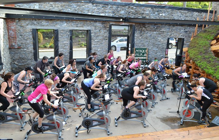 spin class spinning